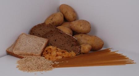 Kartoffeln, Brot, Nudeln, Reis