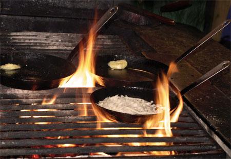 Pfanne auf dem Feuer